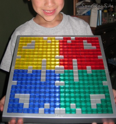 pictures of a pattern made with Blokus