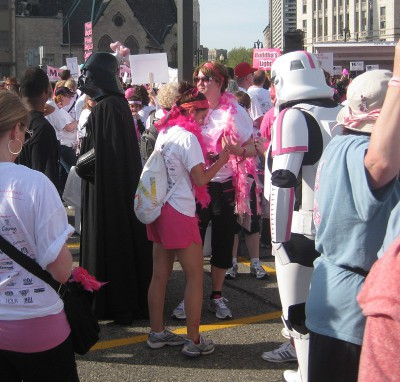 picture of Darth Vader and Storm Trooper Star Wars costumes at the race for the cure