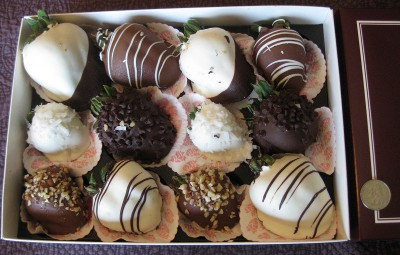 picture of the contents of a box of gourmet chocolate-covered strawberries