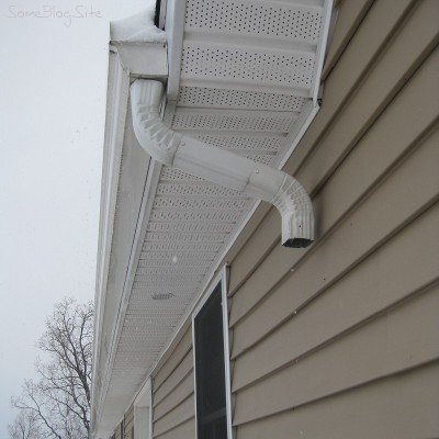 picture of a gutter without a downspout