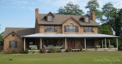 front view of the Storyhill rental house in Kentucky