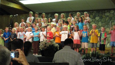 picture of the kids' program final night at Maranatha