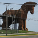 picture of the Trojan horse at Mt. Olympus theme park in Wisconsin Dells