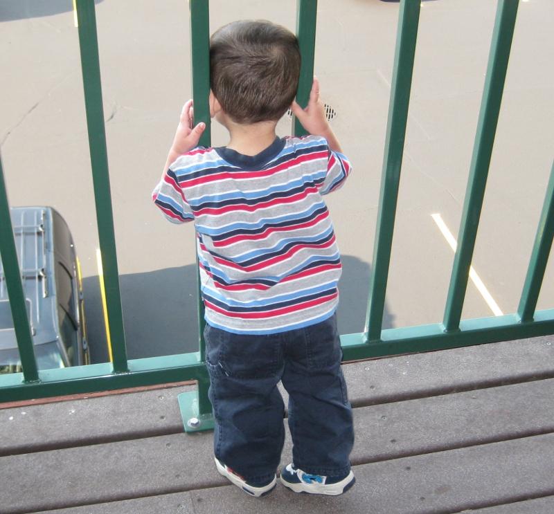 Նոր մանրամասներ` պատշգամբից ընկած 2-ամյա երեխայի առողջական վիճակից