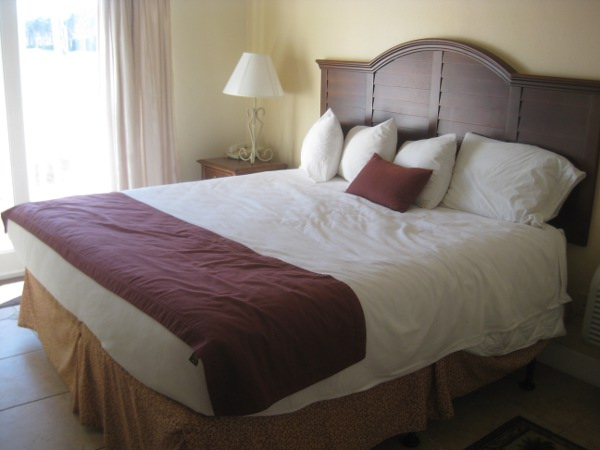 photo of a bed at La Fiesta Inn in St. Augustine, FL