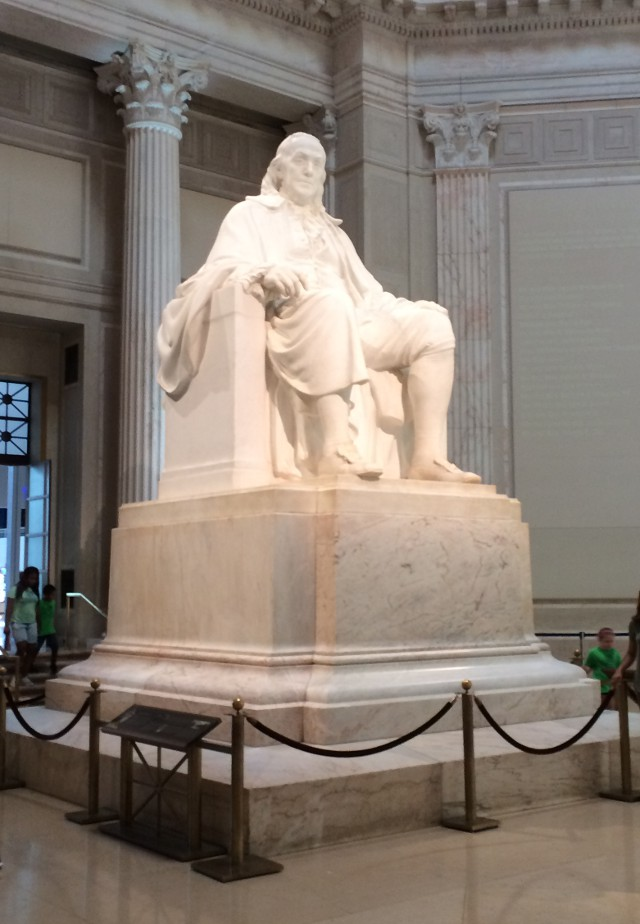 photo of the Benjamin Franklin statute at the Franklin Institute